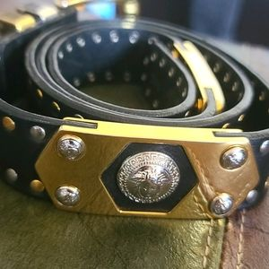 Versace belt leather in great condition unisex